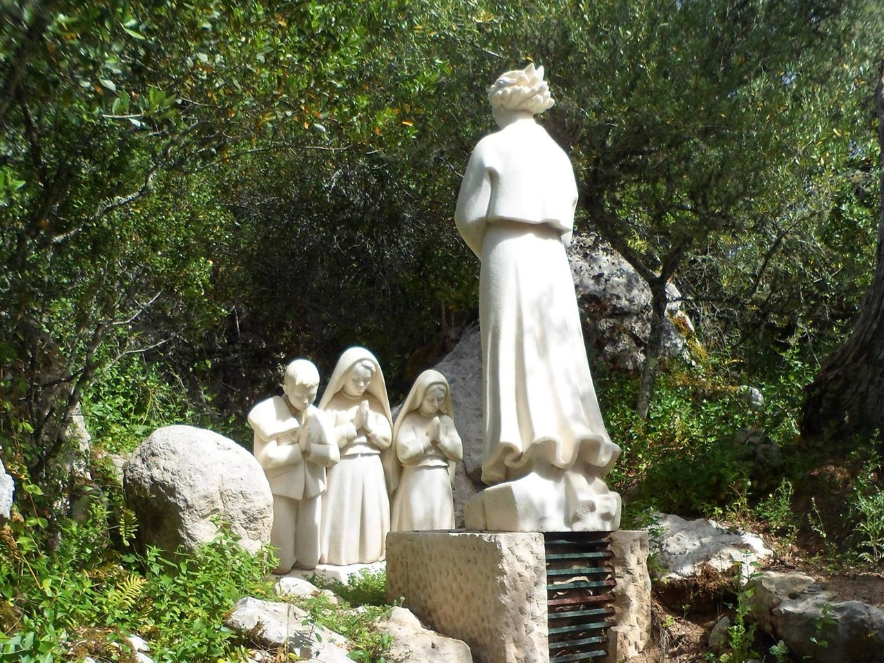 Monument of the Angel of Peace apparition (Valinhos, Fatima, Portugal)